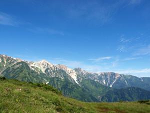 夏旅行、山の風景